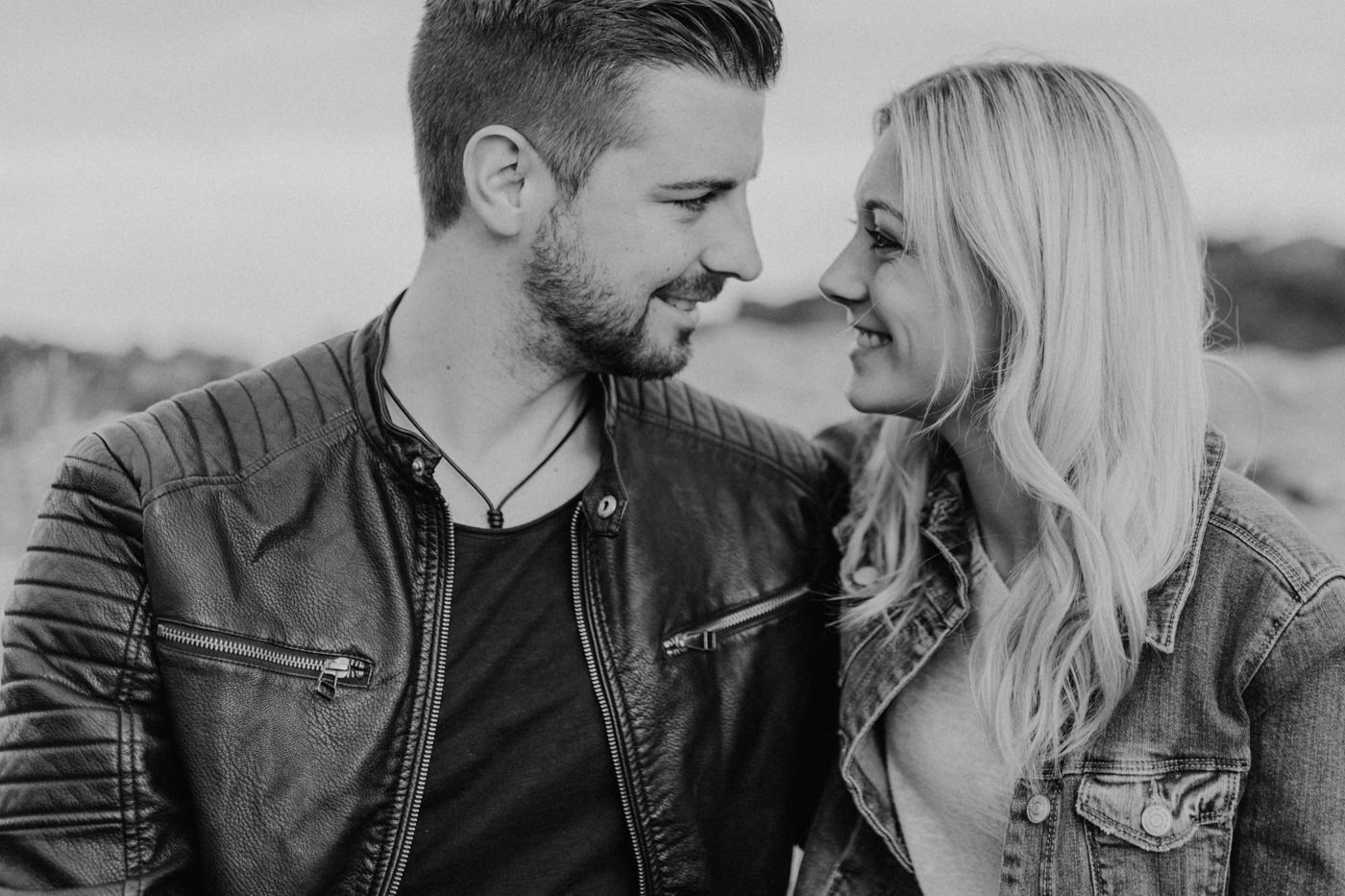 Herzmalerei-Paarshooting-Paarfotos-Fotograf-Nuernberg-Bamberg-Franken-Walberla-Bayern-coupleshooting-hochzeitsfotografin
